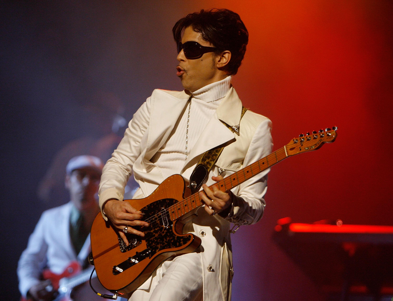 "New Prince Album ""Piano & A Microphone 1983"" Announced"