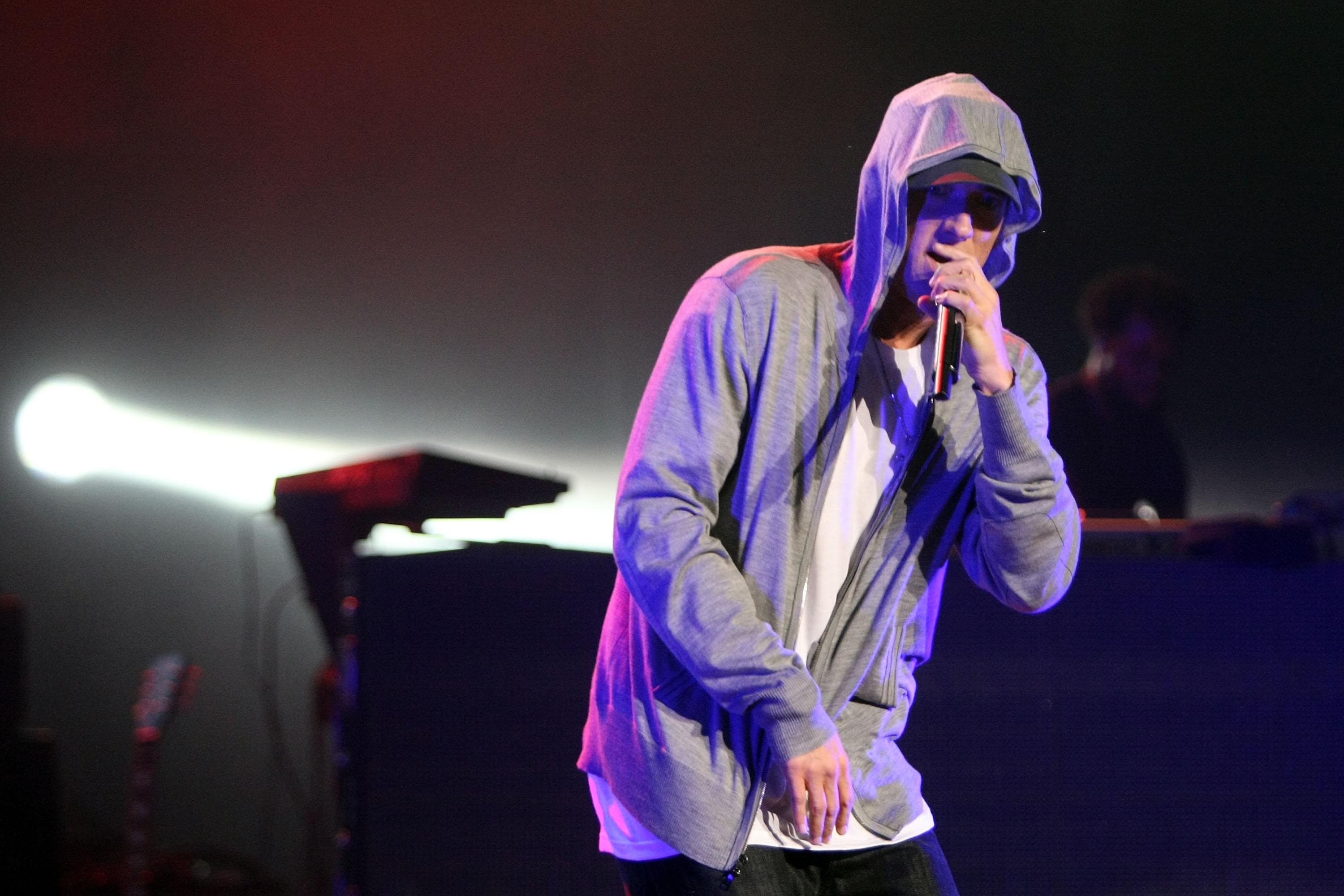 "Eminem Fans Left ""Struggling To Breathe"" At Bag Check"