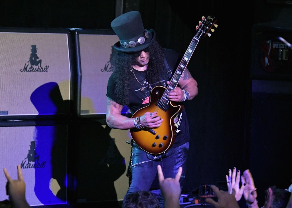 "Slash of Guns N' Roses Disses Hip Hop For Being ""Generic"" & ""Top 40"""