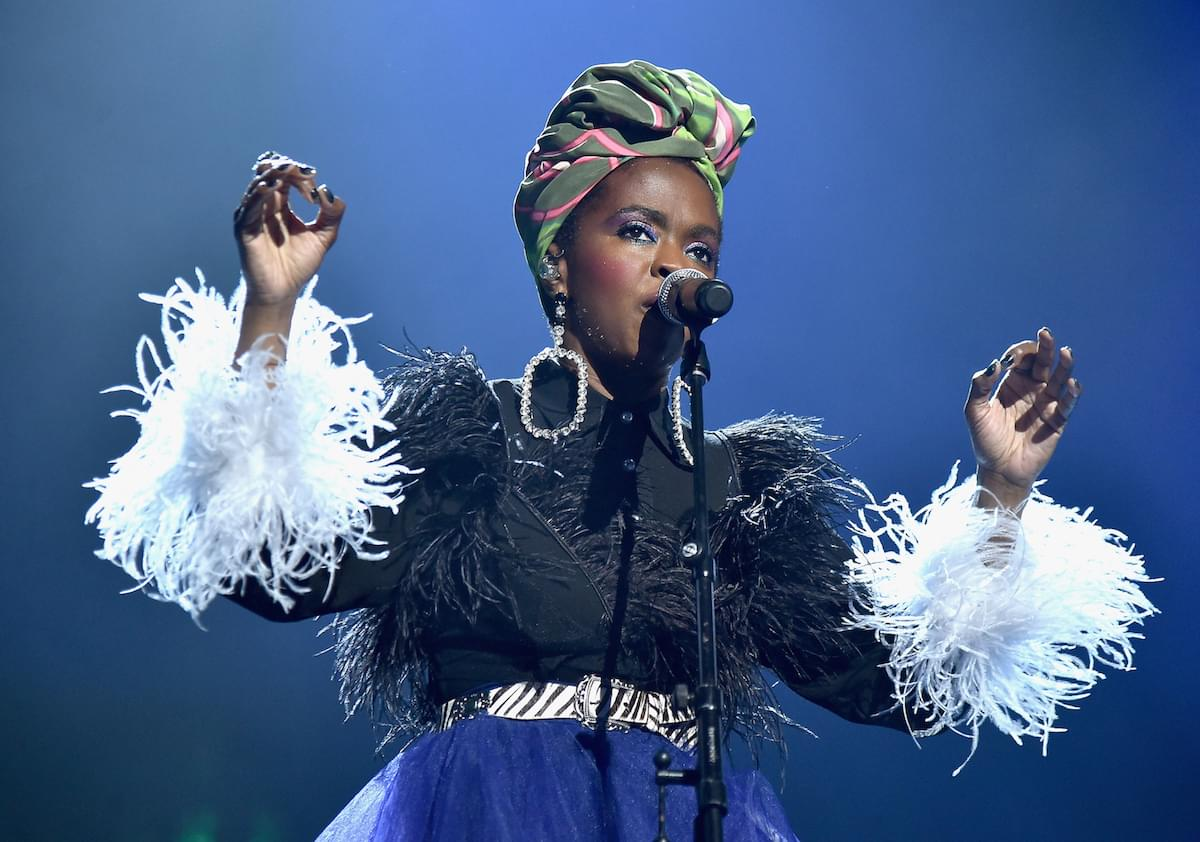 """Lauryn Hill Covers Drake's """"Nice For What"""" In Concert"""