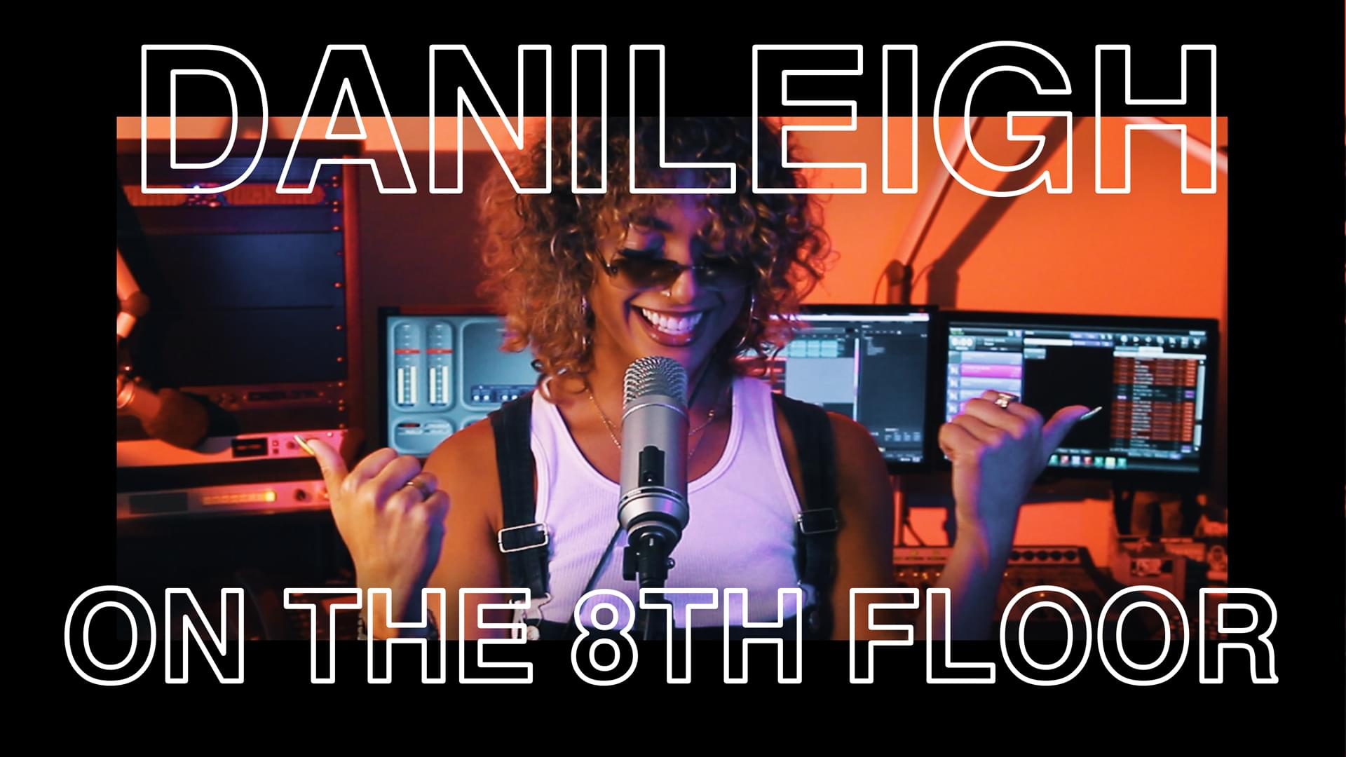 "DaniLeigh Performs ""Lil Bebe"" LIVE 