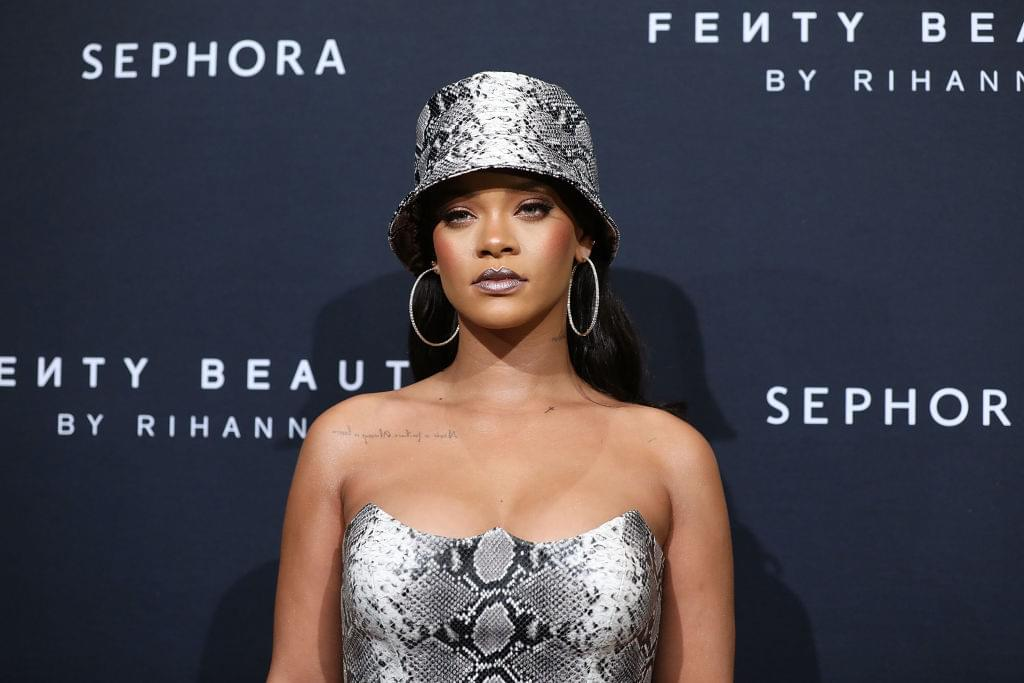 Rihanna Turned Down Super Bowl Halftime In Support of Colin Kaepernick