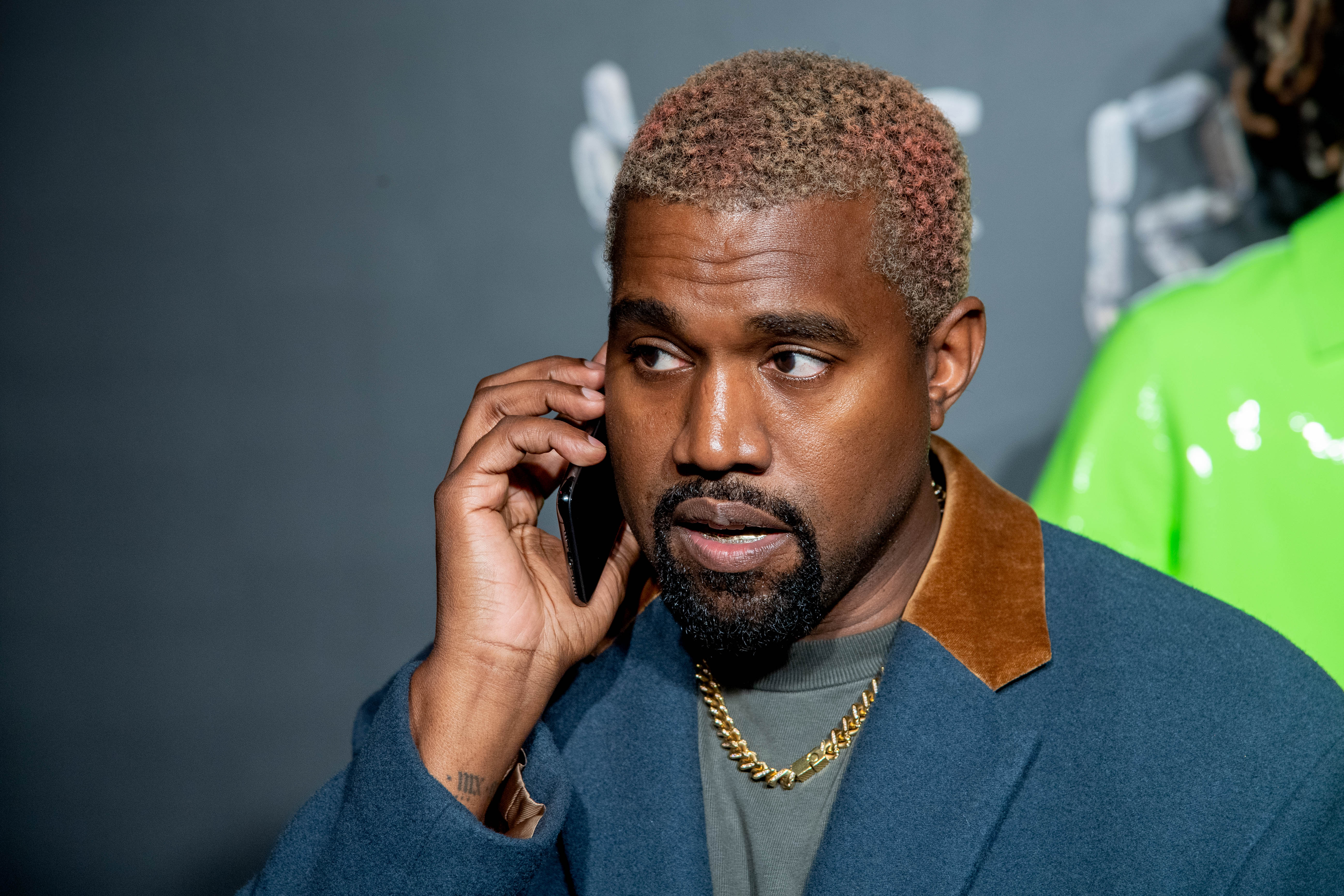 Kanye Turns His Trigger Fingers To Twitter Fingers In Recent Drake Rant