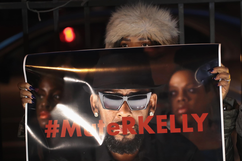 "R. Kelly's Estranged Daughter Calls Singer A ""Monster"""