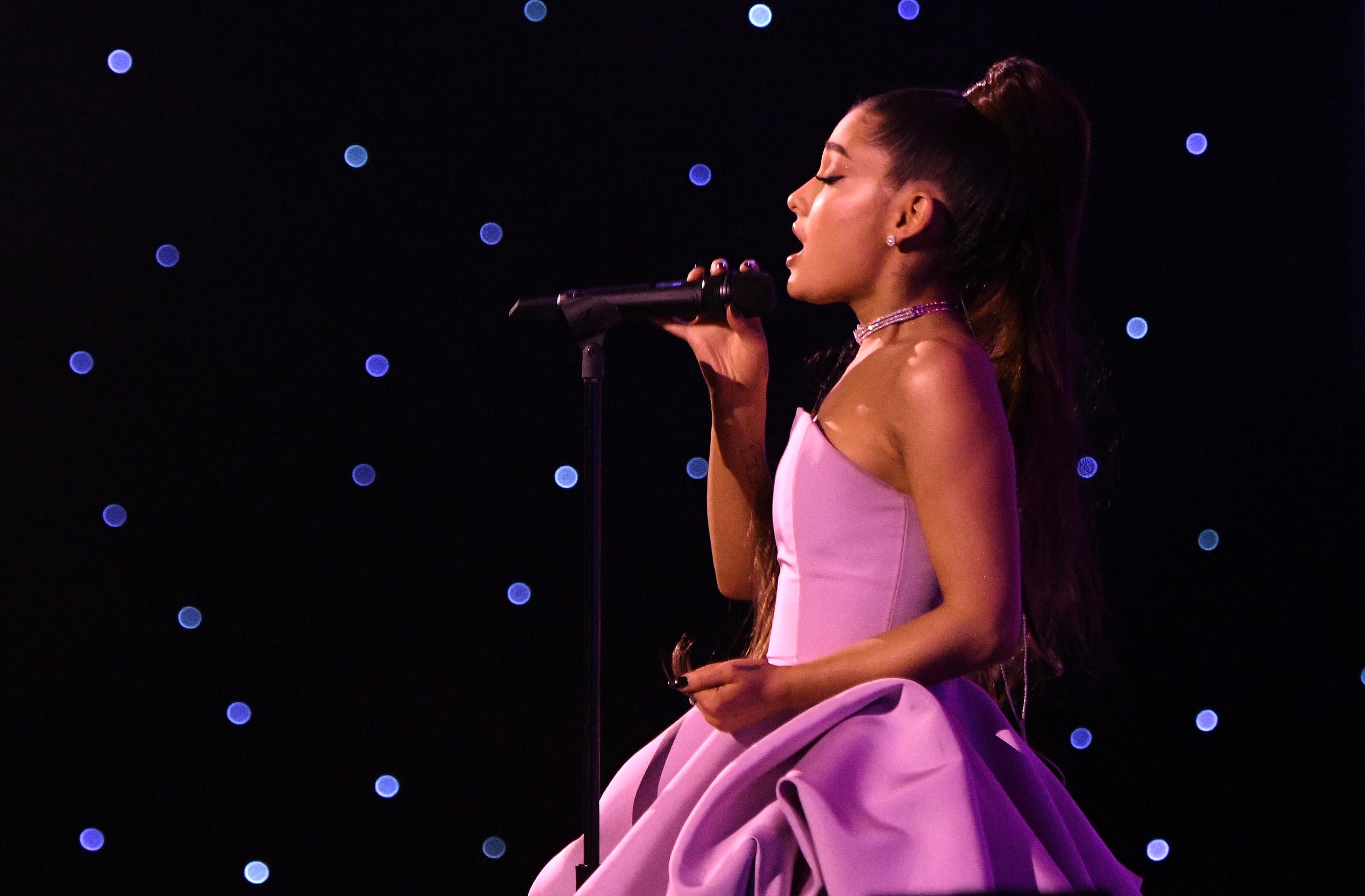Ariana Grande Is BIG Mad At Concert Photogs