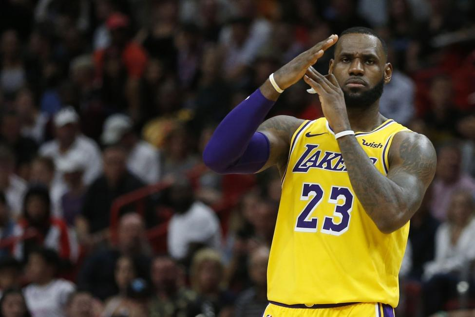 Lakers Fans Plan Protest Due To Team Chaos