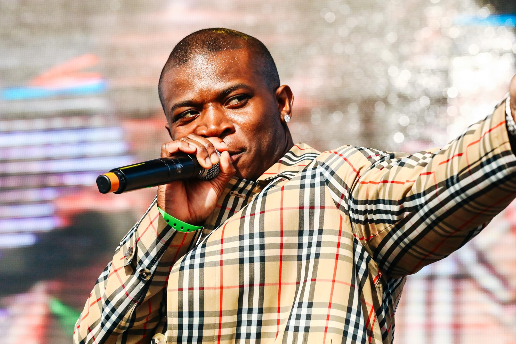 """O.T. Genasis Has Everyone Turning Heads in Visual for """"Look At That"""" [WATCH]"""