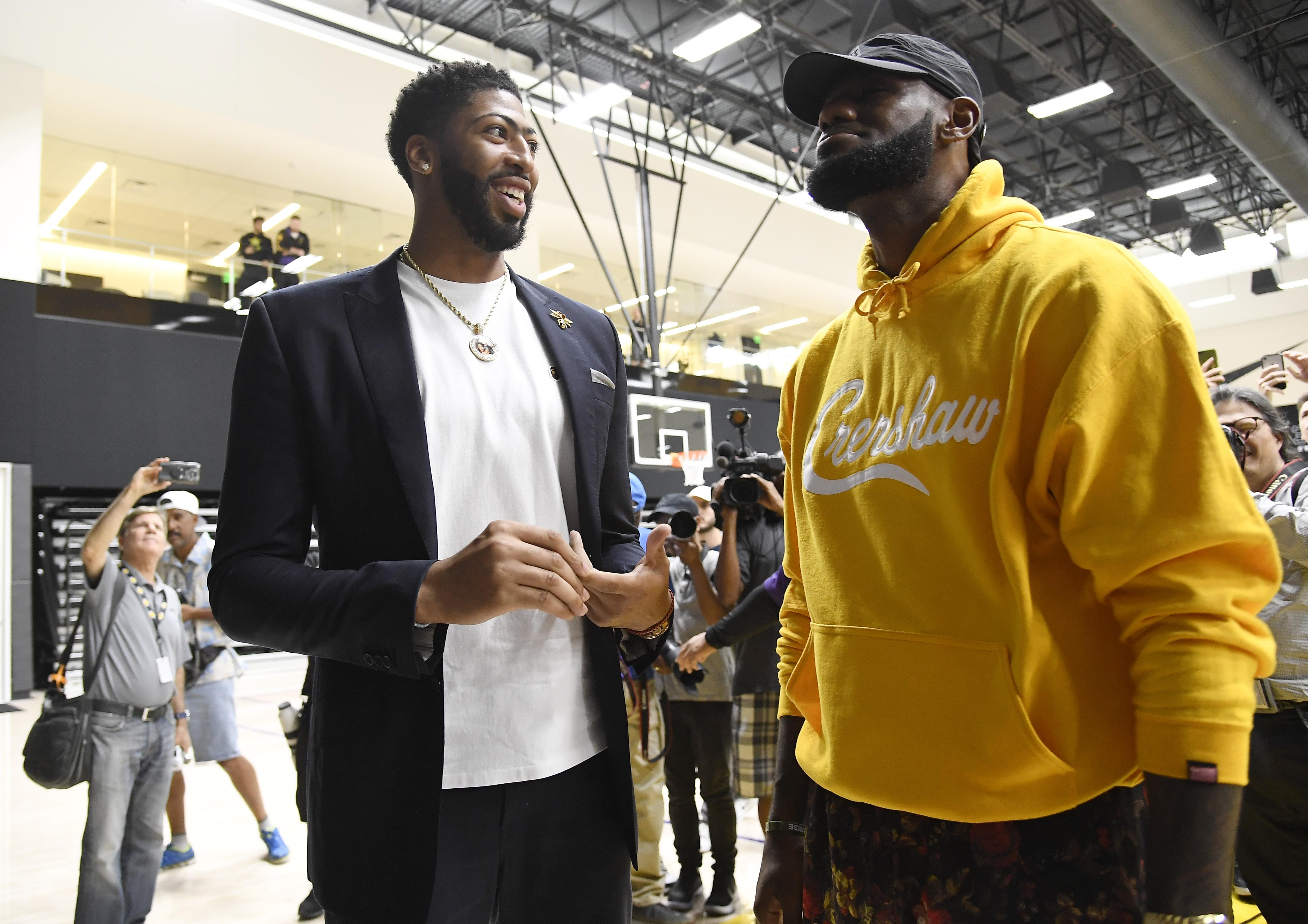 reputable site 7eeda 9cef9 The Game Pitches Lebron James On Nipsey Hussle Inspired ...