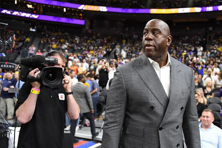 'Magic' Johnson Renuncia Su Puesto de Presidente de Lakers
