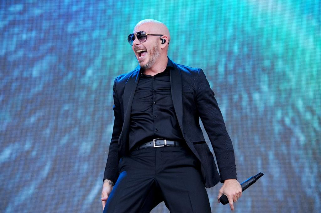Tito El Bambino, Pitbull y El Alfa imaginan an endless summer