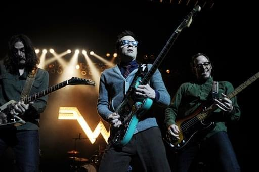 Weezer's Latest Cover is Black Sabbath's 'Paranoid'