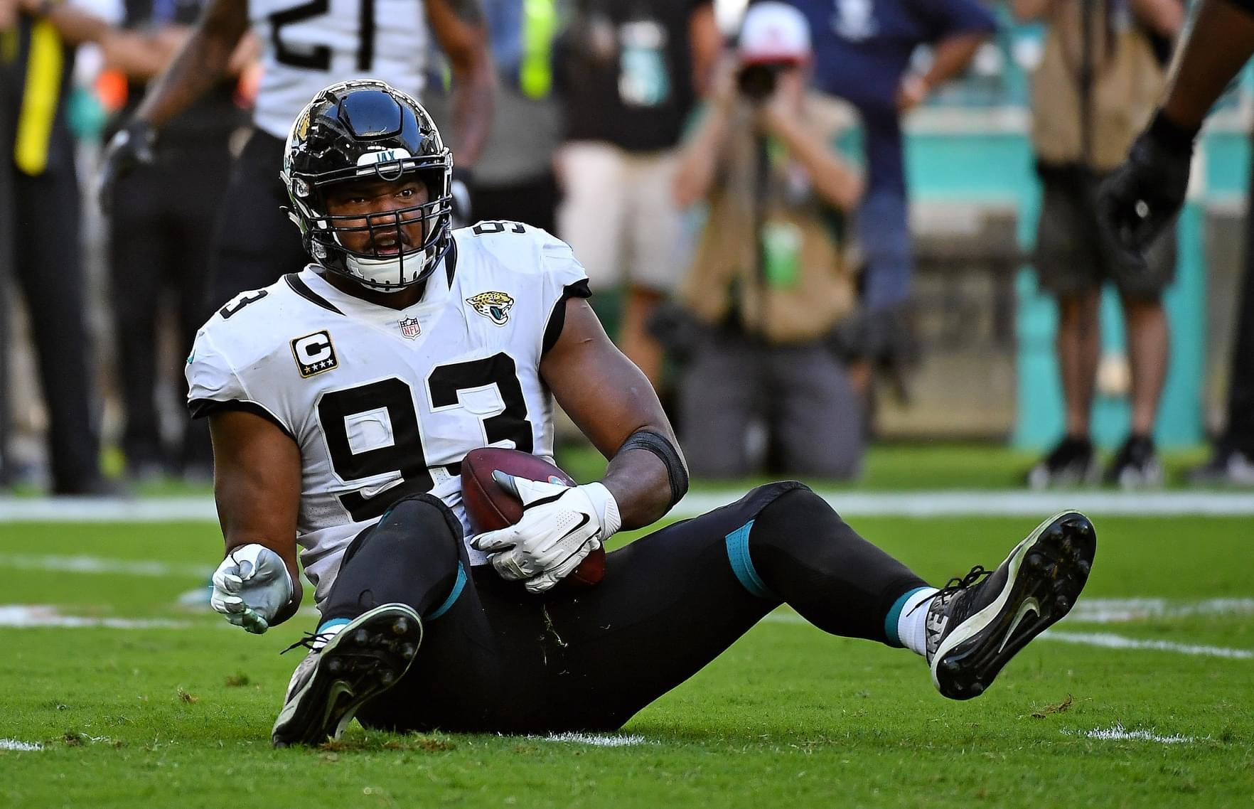 Examining Jaguars salary cap situation now and into future